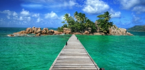 seychelles_beach_bridge