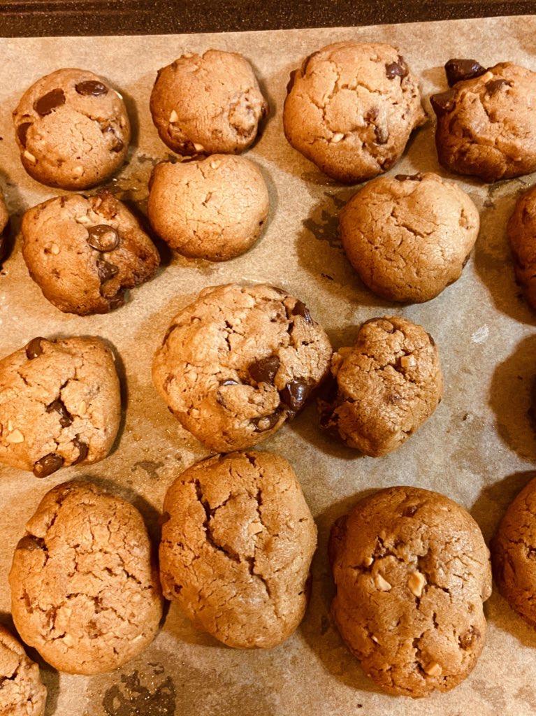 bacon chocolate chip peanut butter cookies, cookies, christmas cookies, baking, dessert